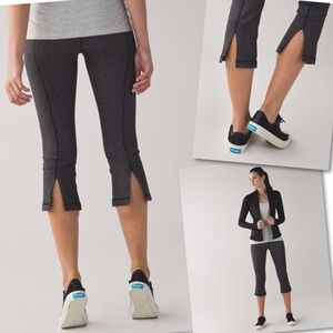 LULULEMON GATHER CROW HEATHERED HERRINGBONE CROP 4